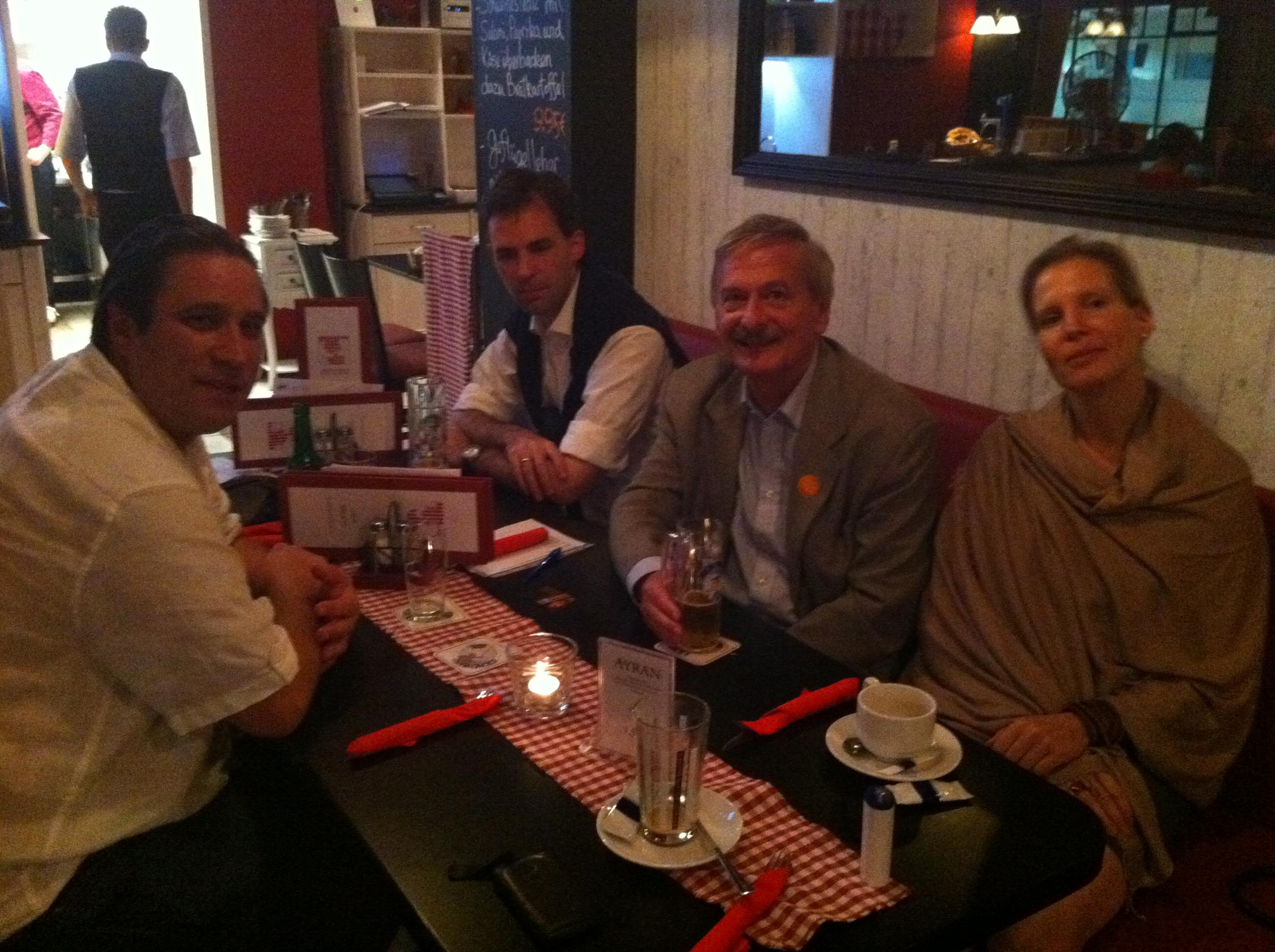 Volker Liepelt im Gespräch mit Oliver Tautorat (links)